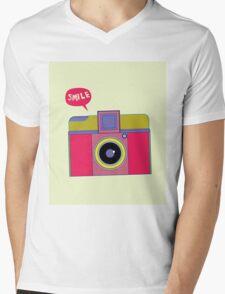 smile camera Mens V-Neck T-Shirt