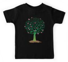 LOVE TREE beautiful oak with love hearts Kids Tee