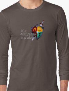 It´s dangerous to go alone Long Sleeve T-Shirt