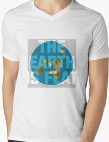 The earth is flat, Mens V-Neck T-Shirt