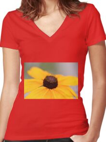 Macro Black Eyed Susan 1 Women's Fitted V-Neck T-Shirt