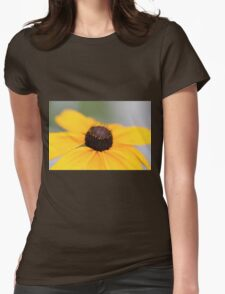 Macro Black Eyed Susan 1 Womens Fitted T-Shirt