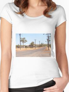 Halls Creek Women's Fitted Scoop T-Shirt