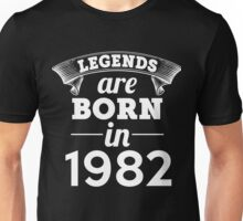 legends are born in 1982 shirt hoodie Unisex T-Shirt