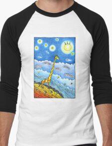 Funny giraffe meet aliens Men's Baseball ¾ T-Shirt