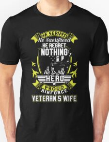 Proud Airforce Veteran's Wife T-Shirt
