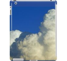 TOWERING CUMULUS CLOUD iPad Case/Skin