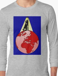 Kissing at the top of the world Long Sleeve T-Shirt