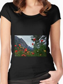 Peaks and Poppies Women's Fitted Scoop T-Shirt