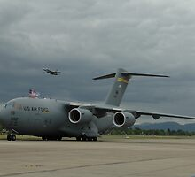 C-17 & Hornet, Richmond Airshow, Australia 2006 by muz2142