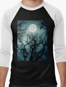 Dark enchanted photo of a full moon in the trees branches background. Blue fairy-tale colors Men's Baseball ¾ T-Shirt