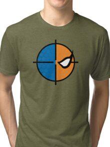 Deathstroke emblem, round Tri-blend T-Shirt