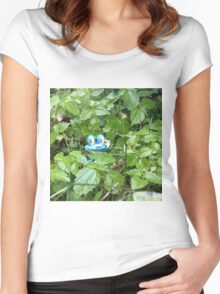 Froakie in the Forest Women's Fitted Scoop T-Shirt