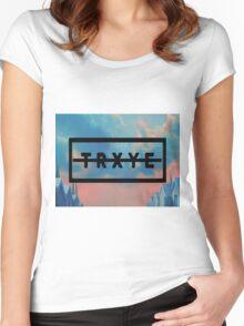 TRXYE Women's Fitted Scoop T-Shirt