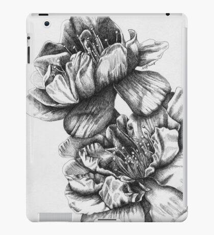 Yaezakura (Cherry Blossoms) iPad Case/Skin