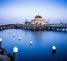 St Kilda Pier Cafe - Melbourne by Maciej Nadstazik