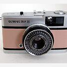 Olympus Trip in pink leather by Tripman