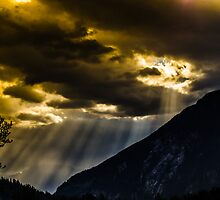 Morning Strom sun rays by RevelstokeImage
