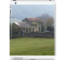Dilapidated Cottage, Hope Valley, Eyam iPad Case/Skin