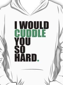 cuddle (blk/grn) T-Shirt