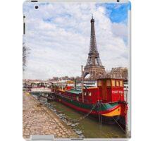 Tour Eiffel sur la Seine - Parisian Scene iPad Case/Skin