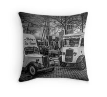 I scream for ice cream Throw pillow and Tote Bag Throw Pillow