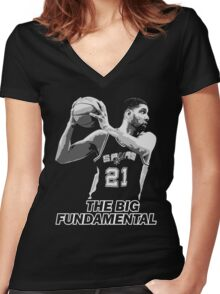 TIM DUNCAN - THE BIG FUNDAMENTAL Women's Fitted V-Neck T-Shirt