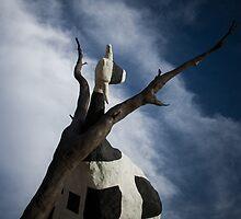 Cow Tree - Melbourne by Maciej Nadstazik