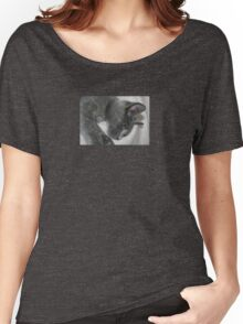 Close Up Portrait Of A Relaxed Grey Cat Women's Relaxed Fit T-Shirt