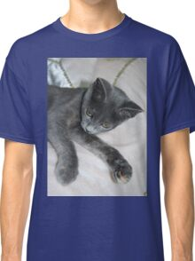 Cute Grey Kitten Relaxing Classic T-Shirt