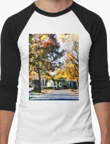Autumn Street with Yellow House Men's Baseball ¾ T-Shirt