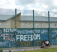Yarl's Wood Perimeter Wall, Immigration Detention Centre. by Darren Johnson / iDJ Photography
