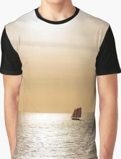 Red Sails in Gold Light Graphic T-Shirt