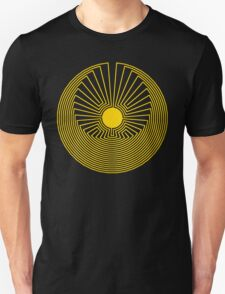 Maze: Man in the Middle Pattern T-Shirt