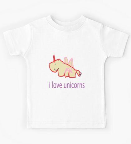 i love unicorns  Kids Tee