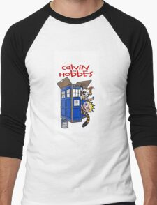 Calvin And Hobbes police box Men's Baseball ¾ T-Shirt