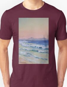Rainbow Beach looking north at dusk Unisex T-Shirt