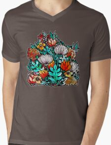 Spider Mum Garden Mens V-Neck T-Shirt