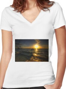 West Mersea Sunset Women's Fitted V-Neck T-Shirt