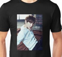 Leo | VIXX Unisex T-Shirt