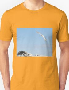 The flight of the snowy owl T-Shirt