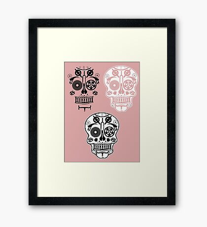 Skull shirt 1 Framed Print