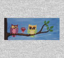 owl family on a tree I Baby Tee