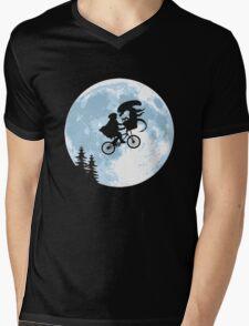 E.T. the Extra-Terrestrial - Xenomorph Mens V-Neck T-Shirt