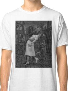Zombies Kiss BW Classic T-Shirt