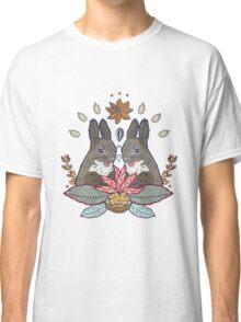 squirrel love Classic T-Shirt