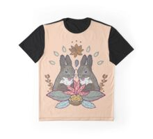 squirrel love Graphic T-Shirt