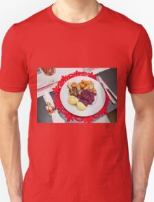 Decorated Christmas plate and table setting  T-Shirt