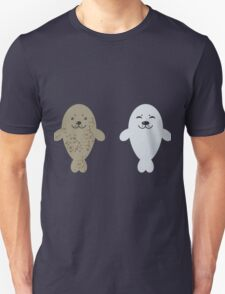cute seal and fish in water Unisex T-Shirt