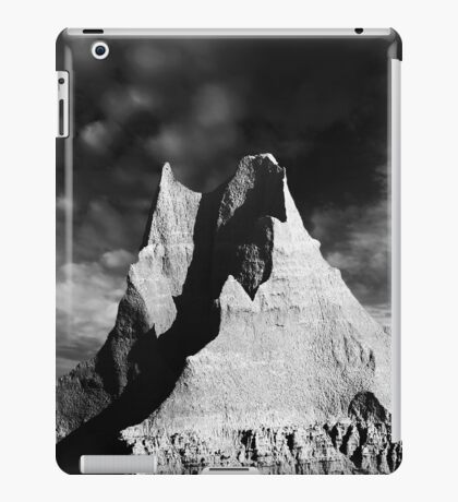 Sunrise over Badlands Castle Trail .4 iPad Case/Skin